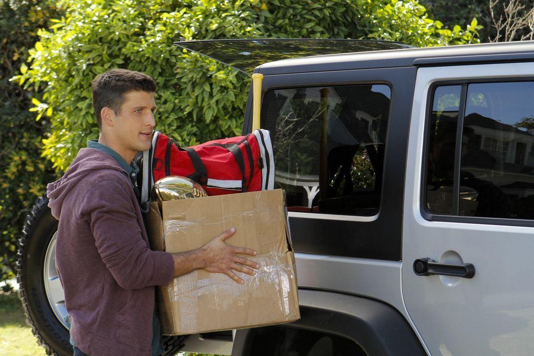 Tessas Ex-Freund Ryan (Parker Young) ist wieder in Chatswin - und Tessas Gefühle spielen Achterbahn. Doch hat er wirklich vor, länger oder gar für i... - Bildquelle: Warner Brothers