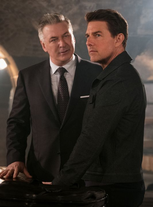 Alan Hunley (Alec Baldwin, l.); Ethan Hunt (Tom Cruise, r.) - Bildquelle: Chiabella James 2018 Paramount Pictures. All rights reserved. / Chiabella James