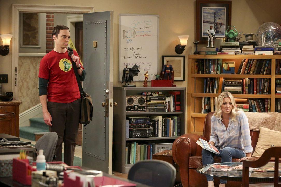 Kann Penny (Kaley Cuoco, r.) mit den Erziehungstipps aus einem Buch über Kleinkindererziehung tatsächlich auch Sheldon (Jim Parsons, l.) beeinflusse... - Bildquelle: Warner Bros. Television