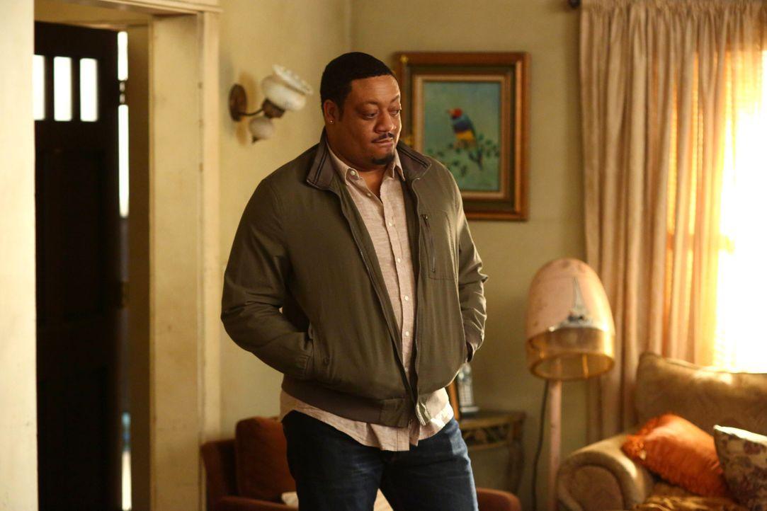 Maya und Kenneth (Cedric Yarbrough ) sind krank, weshalb Jimmy die Zügel im Hause der DiMeos übernehmen muss ... - Bildquelle: 2016-2017 American Broadcasting Companies. All rights reserved.