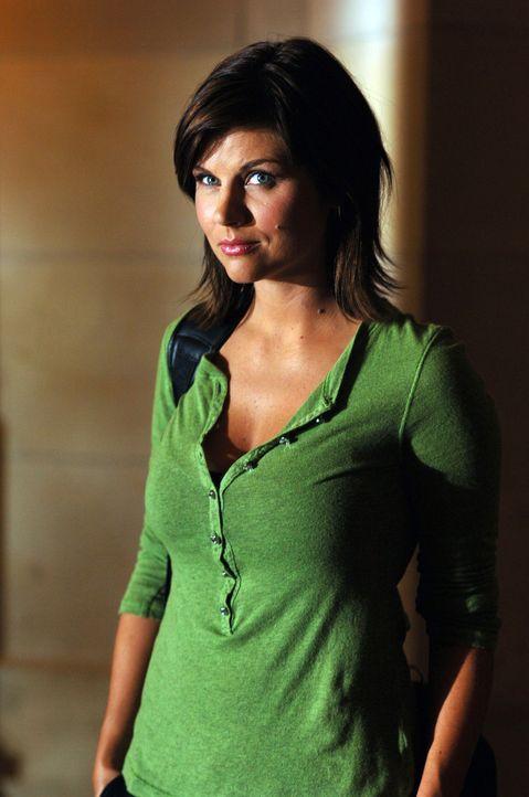 Mit Hilfe der Gouverneurin kann sich Kayla Martin (Tiffani Thiessen) gegen den ignoranten und machthungrigen Bürgermeister Delasandro durchsetzen u... - Bildquelle: 2006 RHI Entertainment Distribution, LLC