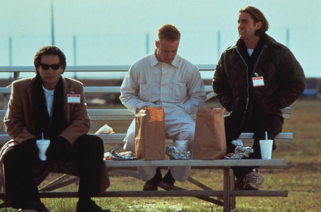 Überfälle machen hungrig: Bob (Robert Musgrave, l.) Dignan (Owen C. Wilson, M.) und Anthony (Luke Wilson, r.) brauchen jetzt dringend eine Stärku... - Bildquelle: Columbia Pictures
