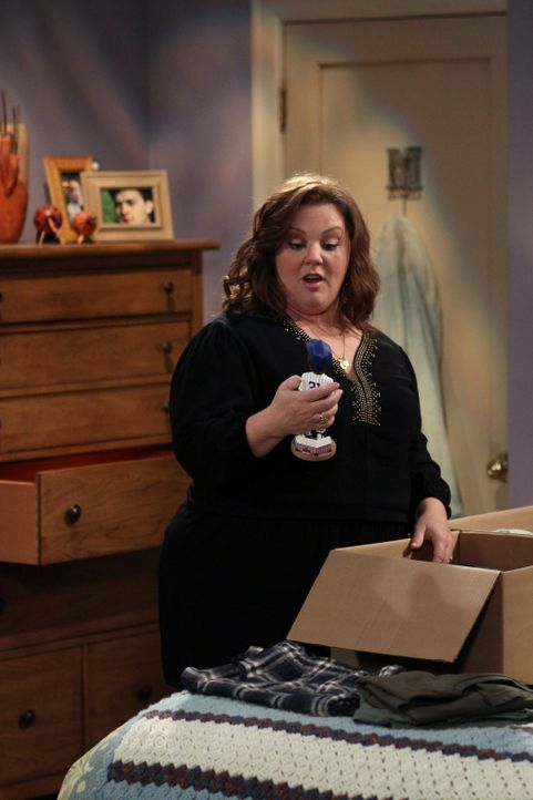 Findet haufenweise Zeug, dass sie nicht im Haus haben will: Molly (Melissa McCarthy) ... - Bildquelle: Warner Brothers