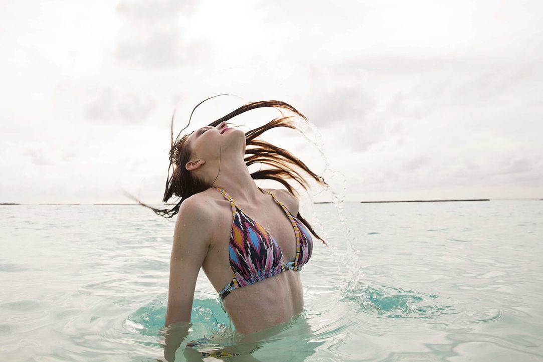 GNTM-Stf10-Epi13-Bikini-Shooting-Malediven-108-Ajsa-ProSieben-Boris-Breuer-TEASER - Bildquelle: ProSieben/Boris Breuer