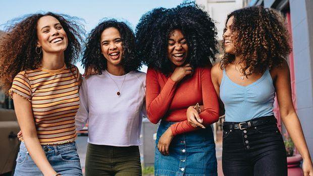 Diverse Haartypen mit Locken - wir sprechen über das Thema Locken