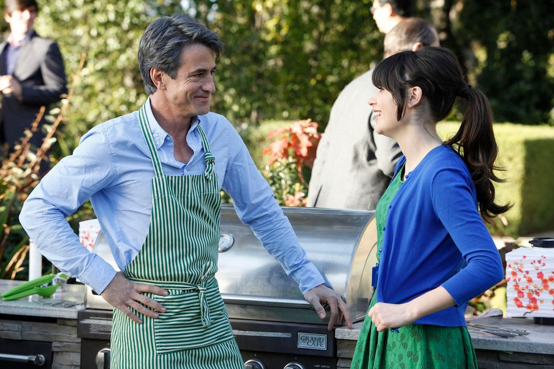 Hat Jess (Zooey Deschanel, r.) in Russell (Dermot Mulroney, l.) ihren Mr. Perfect gefunden? - Bildquelle: 20th Century Fox