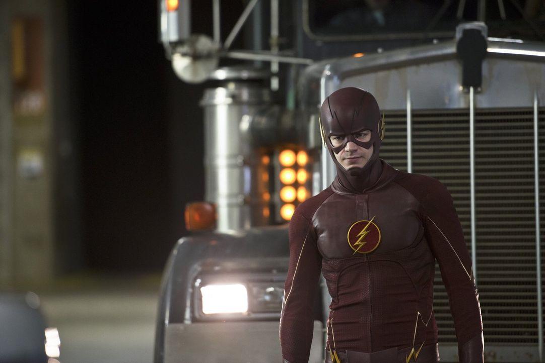 Noch ahnt Barry alias The Flash (Grant Gustin) nicht, dass Eddie Iris von der angeblichen Zukunft erzählt und somit auch in Barrys Privatleben für e... - Bildquelle: Warner Brothers.