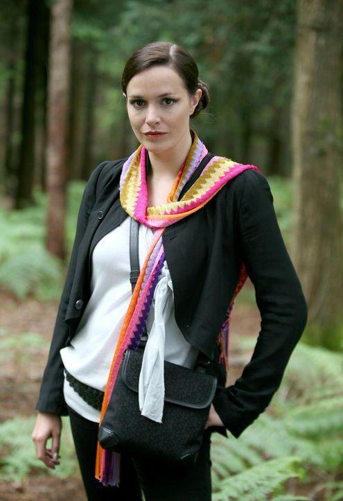 Sorgt dafür, dass alles vor der Öffentlichkeit geheim gehalten wird: Jenny Lewis (Lucy Brown) ... - Bildquelle: ITV Plc