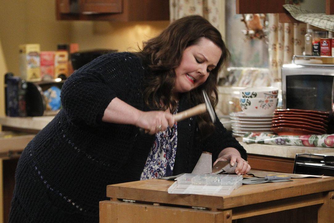 Steht vor einem Problem: Molly (Melissa McCarthy) leidet unter Schreibblockade und hat Angst ihren Vorschuss zu verlieren ... - Bildquelle: Warner Brothers