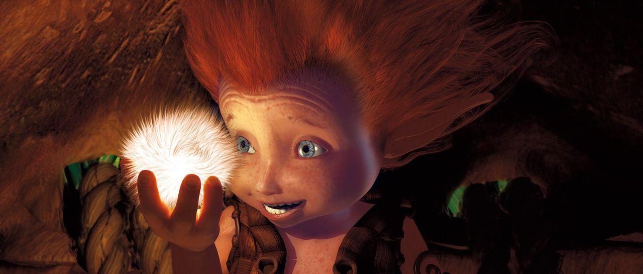 Arthur rutscht durch ein Fernrohr ins Land der Minimoys. Dort erlebt er mit Prinzessin Selenia und ihrem kleinen Bruder Beta (Bild) viele spannende... - Bildquelle: TOBIS Film
