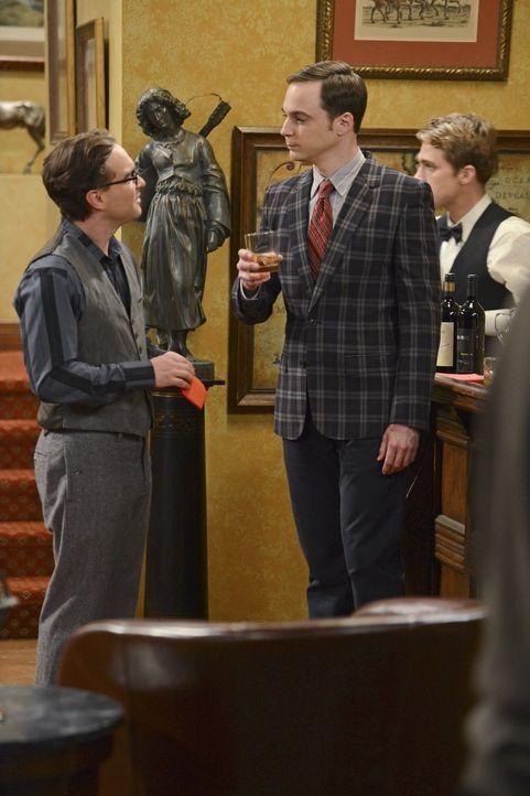 Ahnen noch nicht, welche Auswirkungen der Junggesellenabschied auf die Hochzeit von Howard und Bernadette hat: Sheldon (Jim Parsons, r.) und Leonard... - Bildquelle: Warner Bros. Television