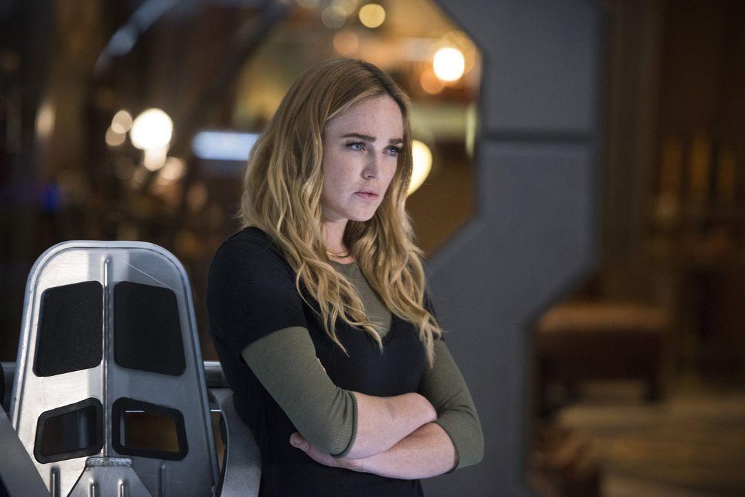 Während Sara alias White Canary (Caity Lotz) ihren Morddurst mit allen Mitteln versucht, zu unterdrücken, verfällt Kendra alias Hawkgirl während ein... - Bildquelle: 2015 Warner Bros.