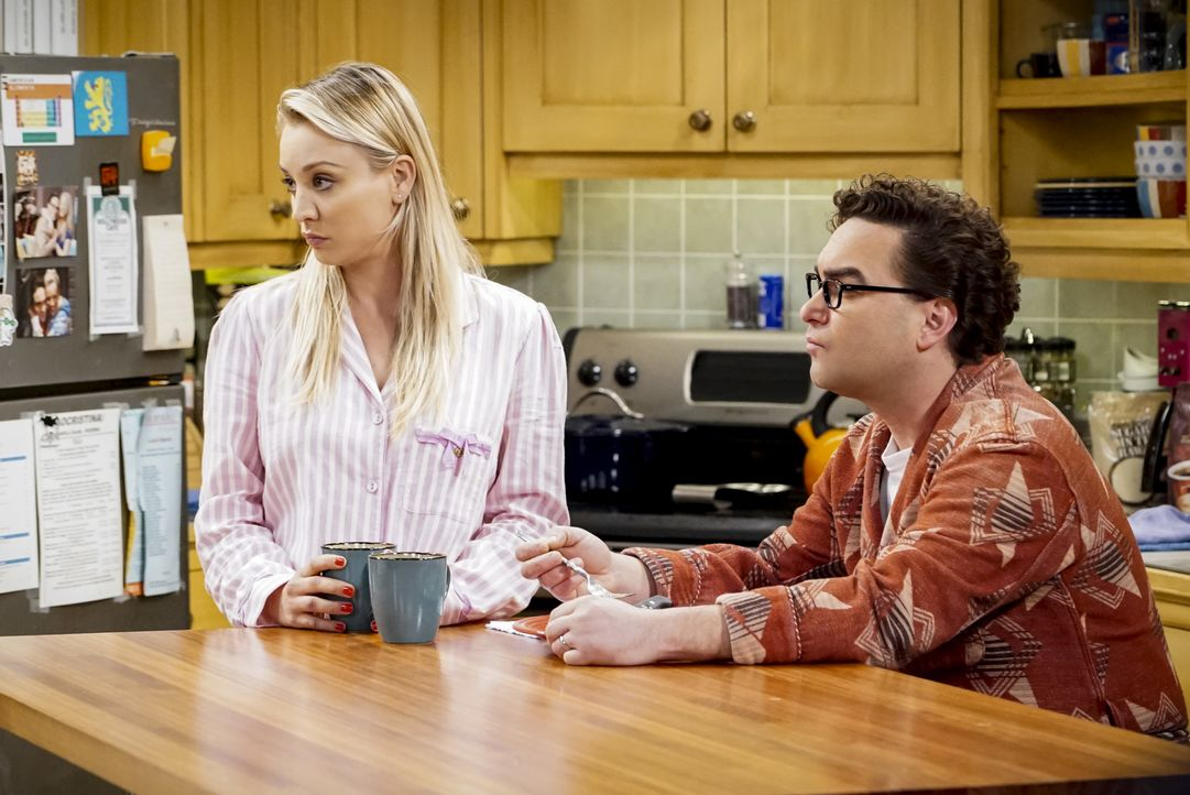 Penny (Kaley Cuoco, l.); Leonard (Johnny Galecki, r.) - Bildquelle: Bill Inoshita 2018 CBS Broadcasting, Inc. All Rights Reserved/Bill Inoshita