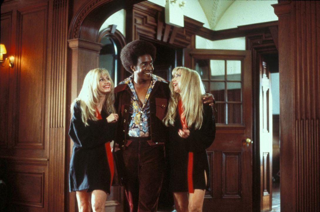 Der notorische Frauenheld und großmäulige Aufreißer Leon (Tim Meadows, M.) lässt nichts anbrennen ... - Bildquelle: Marni Grossman 2000 by Paramount Pictures Corp.