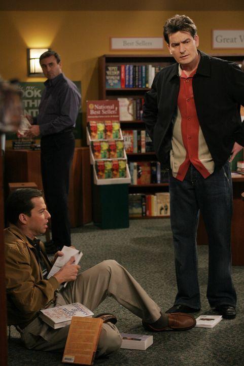 Alan (Jon Cryer, l.) befindet sich in einer tiefen Lebenskrise, die durch die Trennung von seinem Sohn Jake neuen Zündstoff erhält. Während eines... - Bildquelle: Warner Brothers Entertainment Inc.