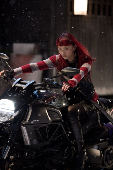 Wenn es um Wolverine geht, ist mit der kämpferischen und kampferprobten Yukio (Rila Fukushima) nicht gut Kirschen essen ... - Bildquelle: Ben Rothstein 2013 Twentieth Century Fox Film Corporation. All rights reserved.