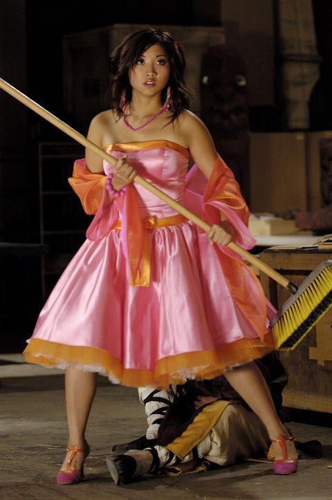 Eines Tages erfährt Wendy Wu (Brenda Song), dass sie die Reinkarnation einer uralten Kriegerin ist und die Welt von einem bösen Geist beschützen... - Bildquelle: Buena Vista International Television