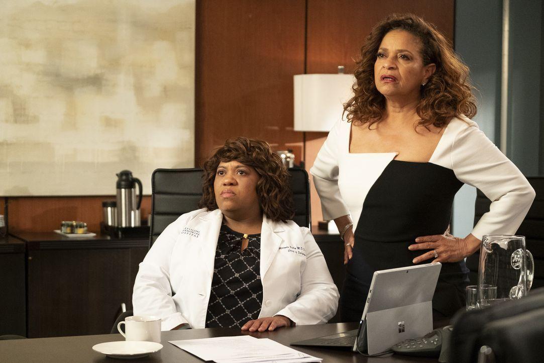 Dr. Miranda Bailey (Chandra Wilson, l.); Dr. Catherine Avery (Debbie Allen, r.) - Bildquelle: Jessica Brooks ABC Studios / Jessica Brooks