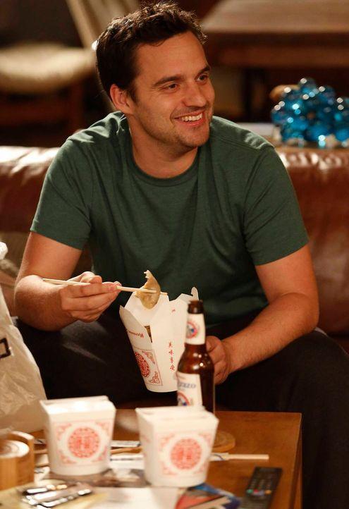 Bereits zum Frühstück bestellt sich Nick (Jake M. Johnson) Fast Food. So kann das nicht mehr weitergehen. Das finden auch seine Freunde ... - Bildquelle: TM &   2013 Fox and its related entities. All rights reserved.