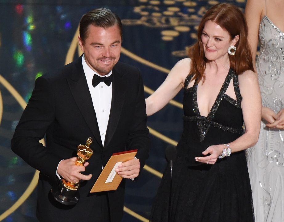 oscars-2016-Leonardo-DiCaprio-Julianne-Moore-AFP - Bildquelle: AFP