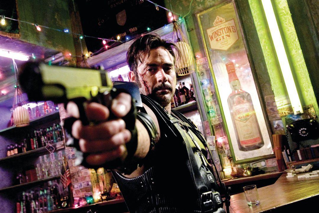 Wenn schon Superheld, dann aber mit einer Menge Spaß: The Comedian (Jeffrey Dean Morgan) ... - Bildquelle: Paramount Pictures