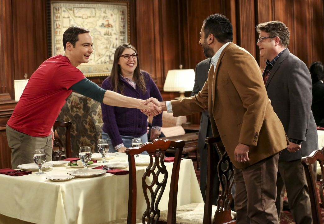 (v.l.n.r.) Sheldon Cooper (Jim Parsons); Amy Farrah Fowler (Mayim Bialik); Dr. Greg Pemberton (Sean Astin); Dr. Kevin Campbell (Kal Penn) - Bildquelle: Michael Yarish 2018 WBEI. All rights reserved. / Michael Yarish