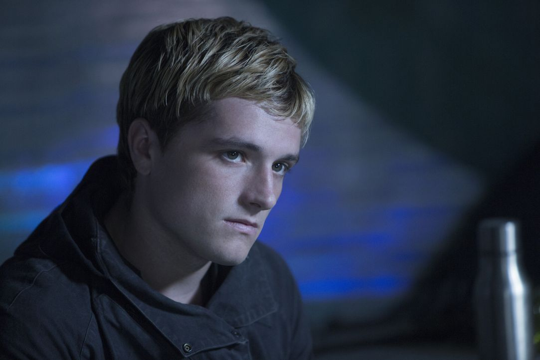 Lange Zeit war Peeta (Josh Hutcherson) im Capitol psychischer Folter ausgesetzt, jetzt glaubt er, dass Katniss immer ein falsches Spiel gespielt und... - Bildquelle: Murray Close TM &   2015 Lions Gate Entertainment Inc. All rights reserved.