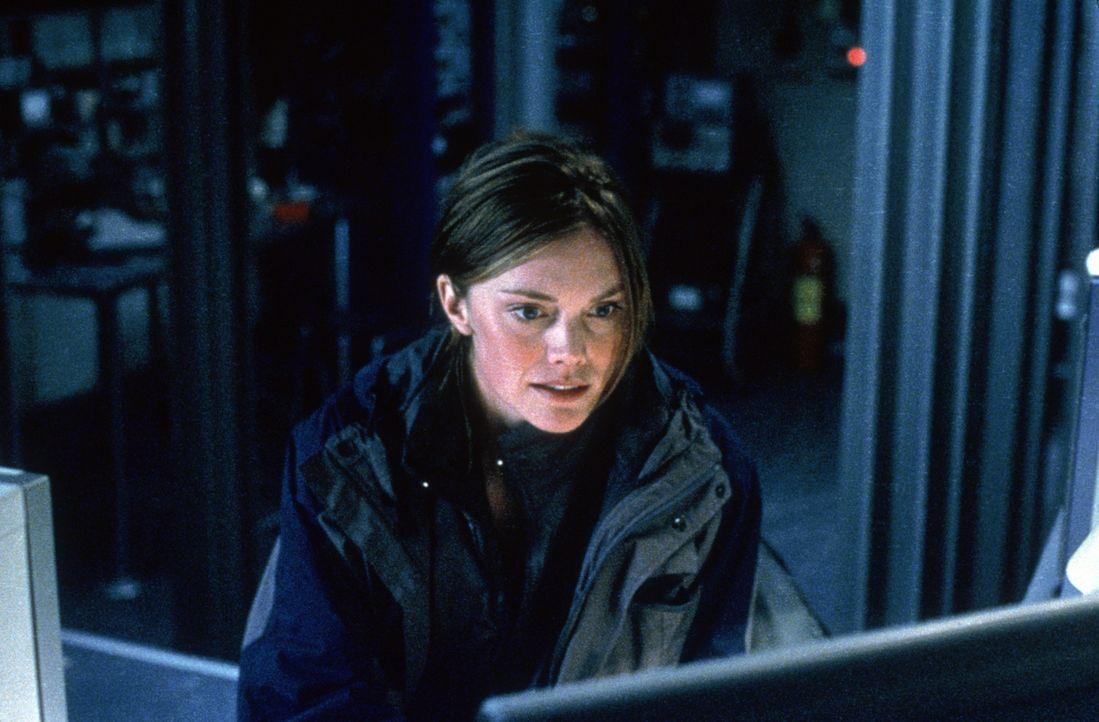 Eigentlich legt Dr. Kate Brecher (Janine Eser) keinen Wert darauf, ihren Ex-Gatten Julien Rome je wieder zu sehen. Doch dann infiziert ein Alien die... - Bildquelle: Nu Image