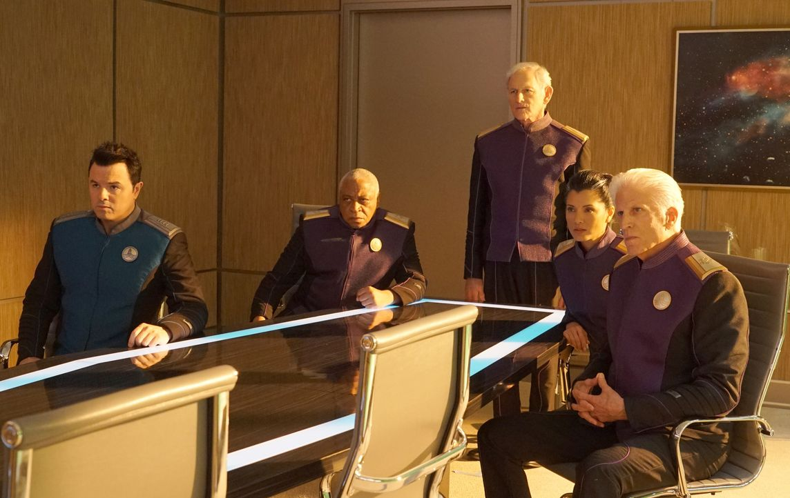 (im Uhrzeigersinn) Ed Mercer (Seth MacFarlane); Admiral Tucker (Ron Canada); Admiral Halsey (Victor Garber); Admiral Ozawa (Kelly Hu); Admiral Perry... - Bildquelle: 2019 Twentieth Century Fox Film Corporation. All rights reserved.