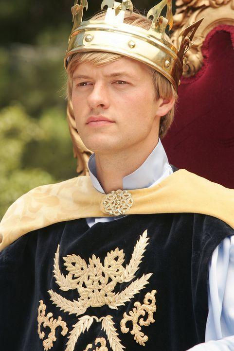 Vom Waisenjungen zu einem König: Peter (Adam Campbell) ... - Bildquelle: Twentieth Century-Fox Film Corporation