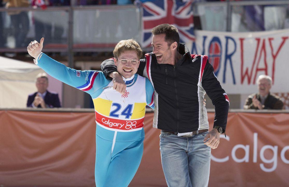 Eddie Edwards (Taron Egerton, l.) lebt den olympischen Gedanken, denn für ihn ist es das aller Größte, überhaupt bei den Olympischen Spielen dabei s... - Bildquelle: Larry Horricks 2016 Twentieth Century Fox Film Corporation.  All rights reserved.