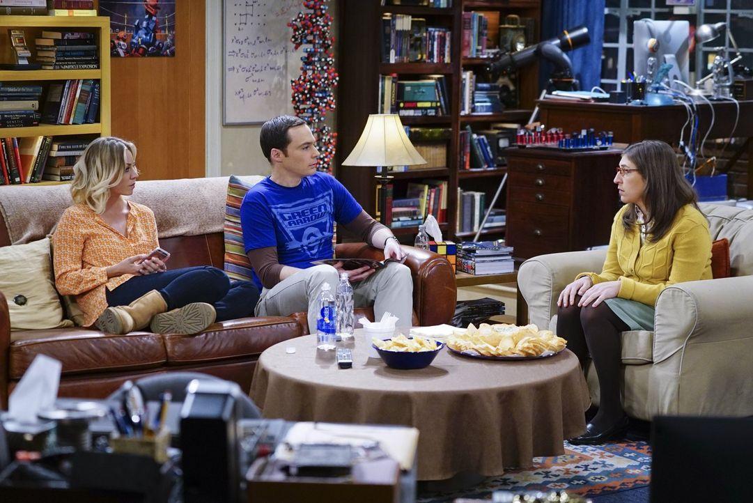 Bei einer Auseinandersetzung zwischen Leonard und Sheldon (Jim Parsons, M.) stellt sich Penny (Kaley Cuoco, l.) überraschenderweise auf Sheldons Sei... - Bildquelle: 2016 Warner Brothers