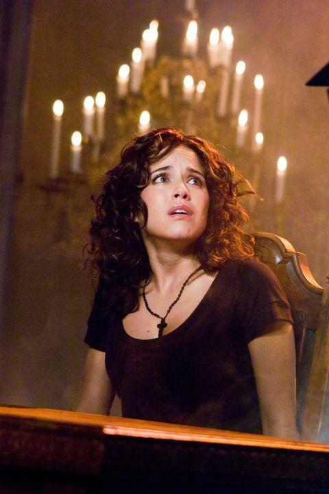 Sucht Zuflucht, kann aber ihrem Mörder nicht entgehen: Taylor (Ana Claudia Talancón) ... - Bildquelle: Warner Bros. Television
