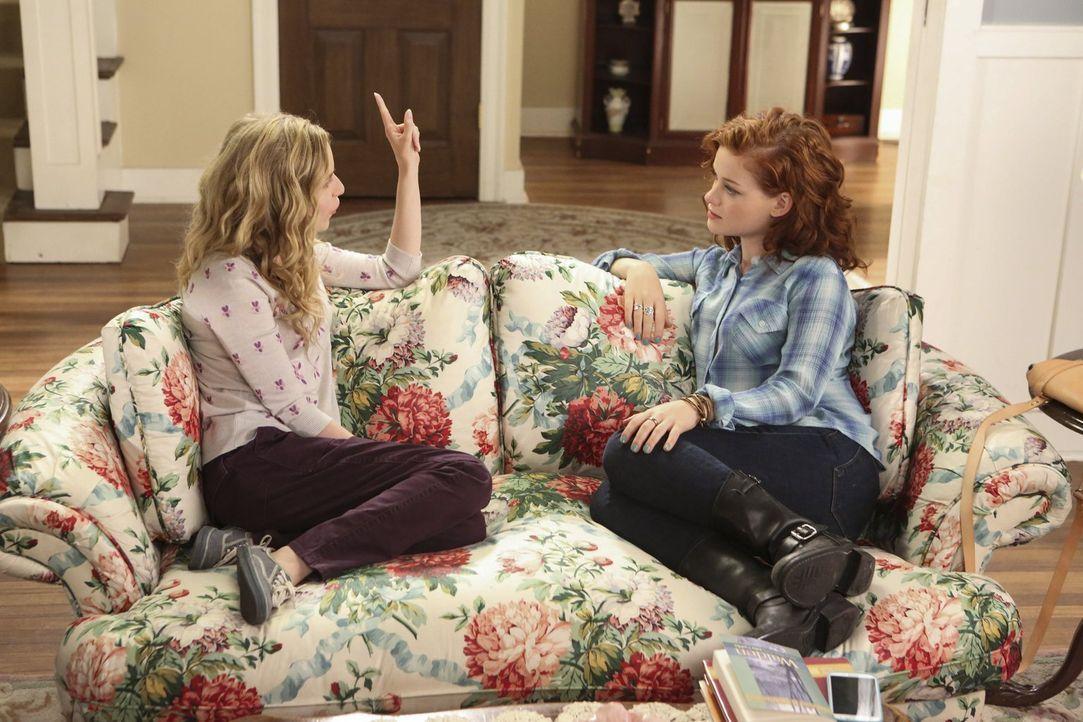 Gute Freunde: Tessa (Jane Levy, r.) und Lisa (Allie Grant, l.) ... - Bildquelle: Warner Brothers