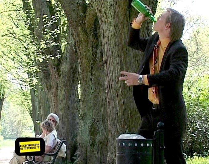 comedystreet-st-04-epi-04-grab-simon-gosejohann-01-prosiebenjpg 700 x 550 - Bildquelle: Guido Ohlenbostel ProSieben
