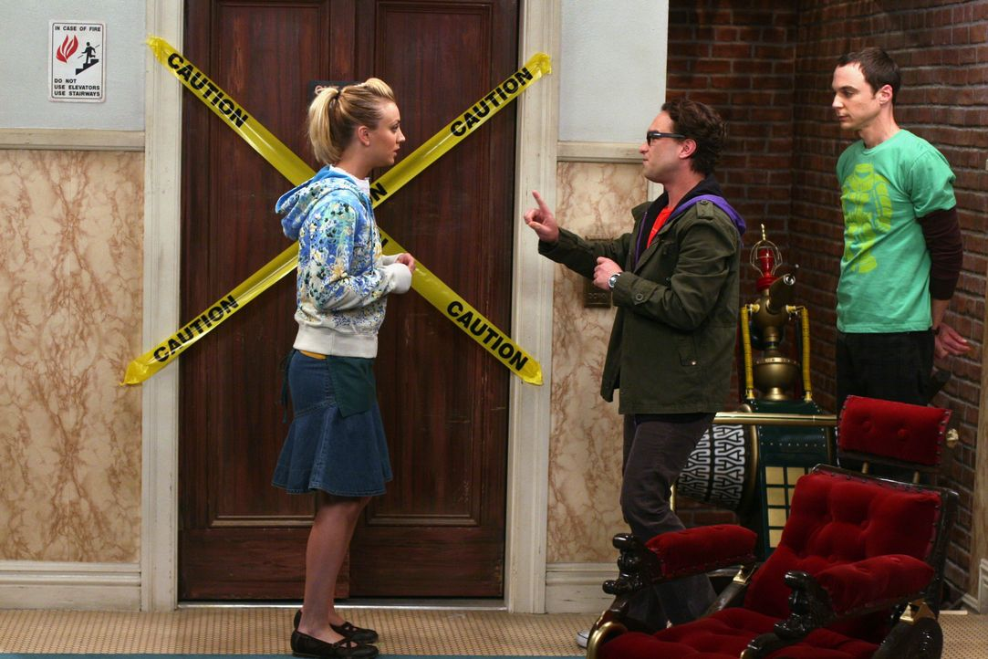 (v.l.n.r.) Penny (Kaley Cuoco); Leonard Hofstadter (Johnny Galecki); Sheldon Cooper (Jim Parsons) - Bildquelle: Warner Bros. Television
