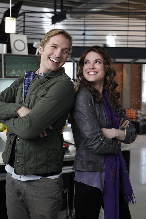 Sind in jeder Lebenslage für einander da: Ben (Ryan Hansen, l.) und Sara (Danneel Harris, r.) ... - Bildquelle: NBC Universal, Inc.