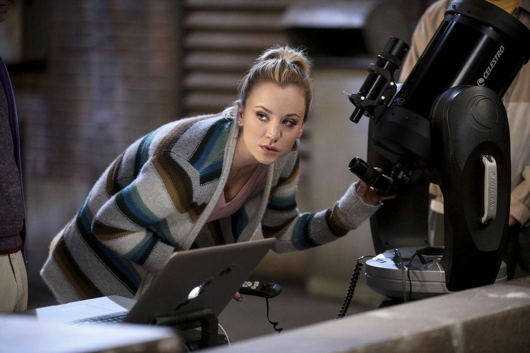 Macht eine astronomische Entdeckung: Penny (Kaley Cuoco) ... - Bildquelle: Warner Bros. Television