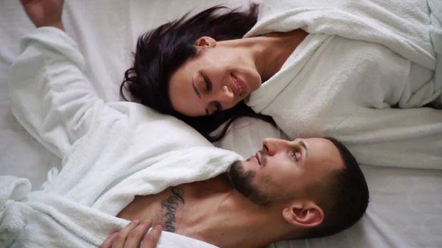 Erotischer Teenie Hat Einen Orgasmus