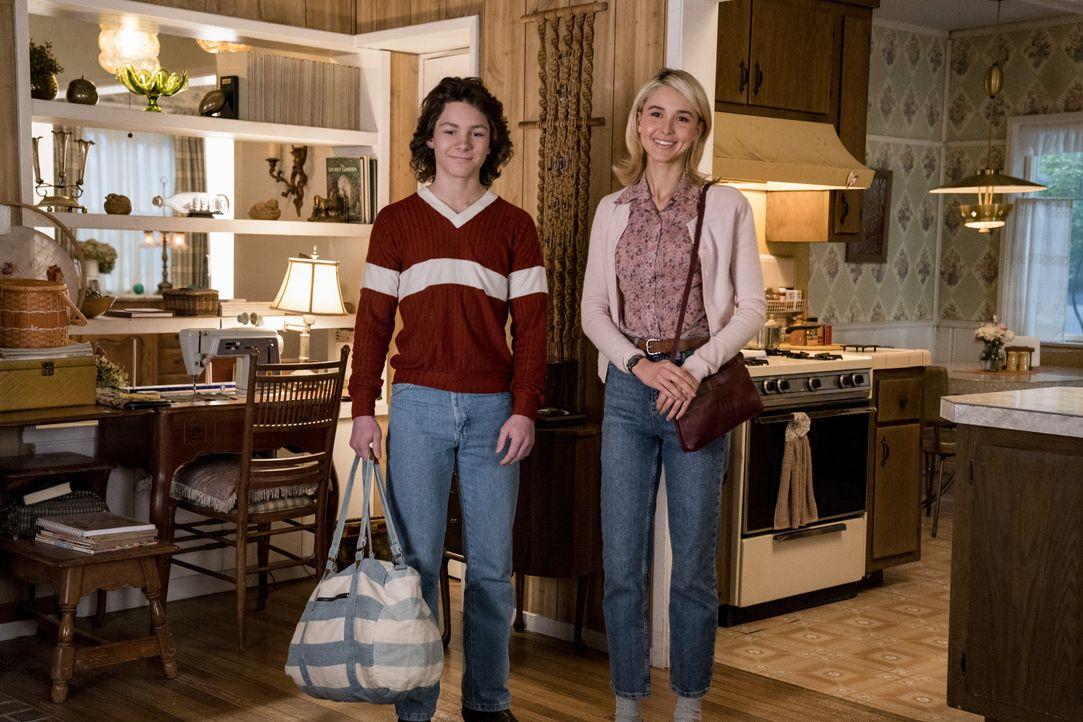 Georgie Cooper (Montana Jordan, l.); Veronica (Isabel May, r.) - Bildquelle: Nicole Wilder-Shattuck 2019 WBEI. All rights reserved. / Nicole Wilder-Shattuck