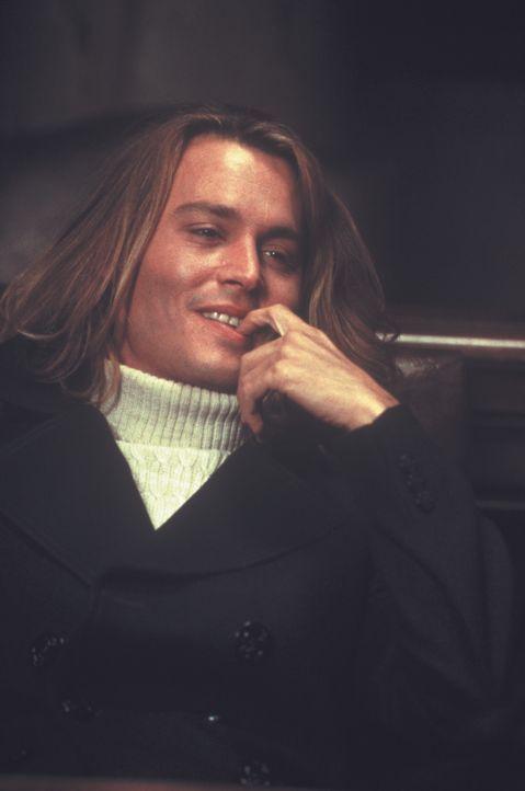 George Jung (Johnny Depp) hat nur ein Ziel: Er will reich werden! Gemeinsam mit seiner Freundin Barbie zieht er einen schwungvollen Handel mit Marih... - Bildquelle: New Line Cinema