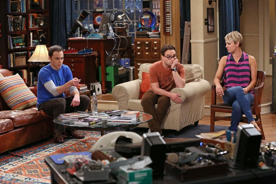Wieder alles beim Alten: Sheldon (Jim Parsons, l.), Leonard (Johnny Galecki, M.) und Penny (Kaley Cuoco, r.) ... - Bildquelle: Warner Brothers