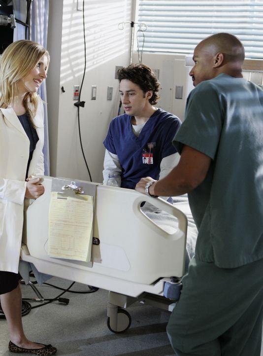 Haben es mit einer besonderen Patientin zu tun: J.D. (Zach Braff, M.), Elliot (Sarah Chalke, l.) und Turk (Donald Faison, r.) ... - Bildquelle: Touchstone Television