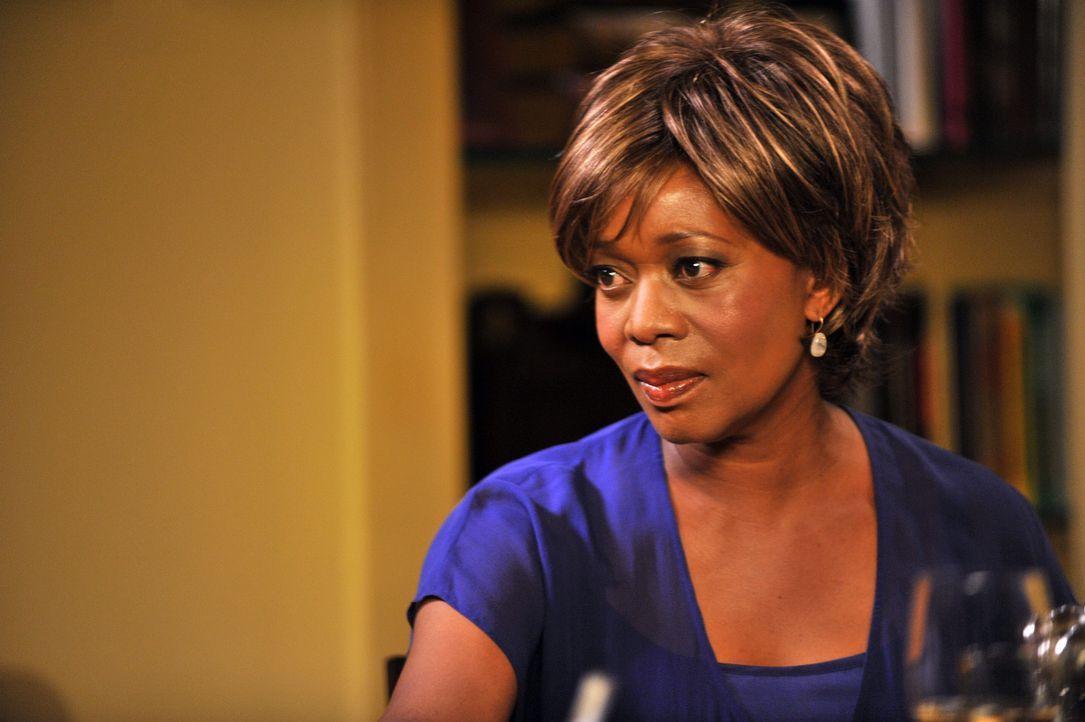 Tritt mit einer ganz besonderen Bitte an Sam heran: seine Mutter Dee Bennett (Alfre Woodard) ... - Bildquelle: ABC Studios