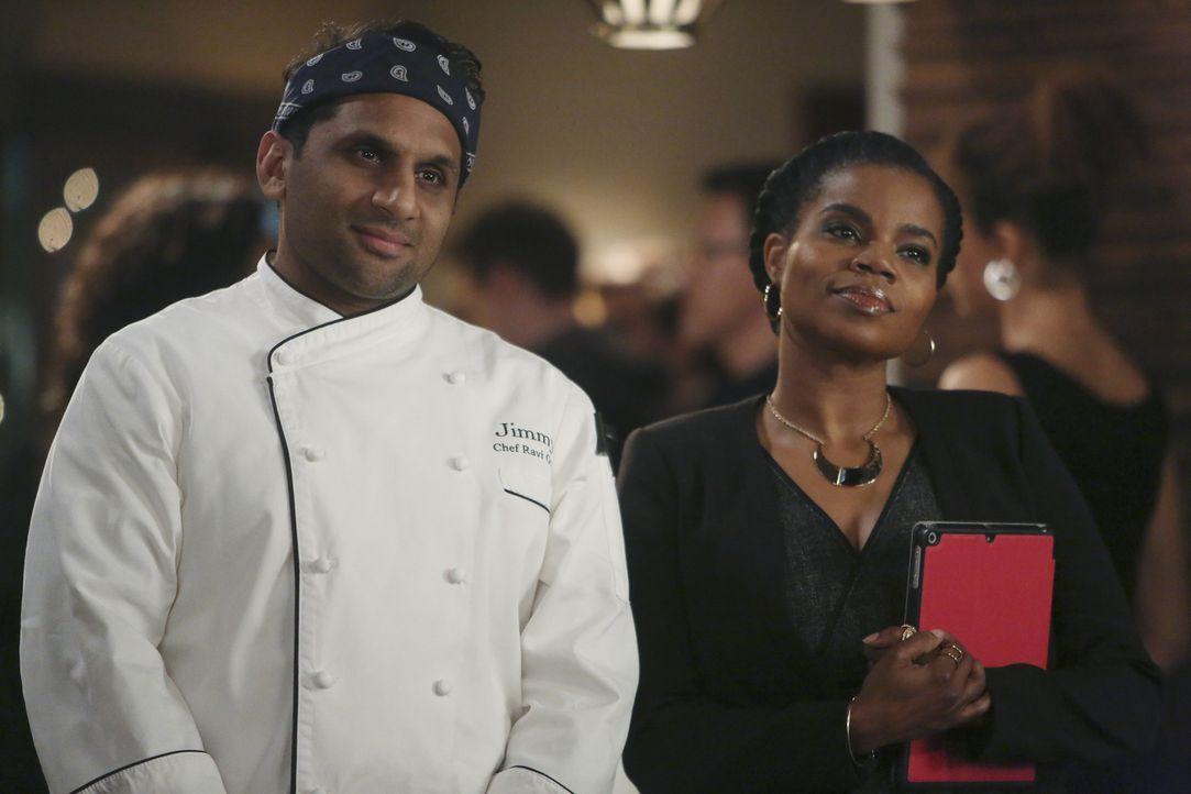 Während Ravi (Ravi Patel, l.) und Annelise (Kelly Jenrette, r.) längst gemerkt haben, dass Jimmy und Sara das perfekte Paar sind, scheinen sich die... - Bildquelle: Jordin Althaus 2016 ABC Studios. All rights reserved.