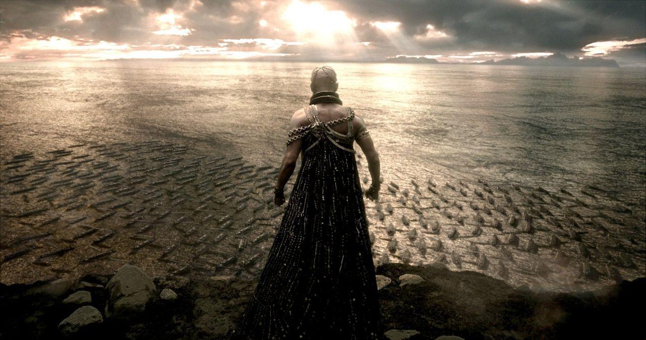 Erhebt sich zum Gottkönig der Perser: Xerxes (Rodrigo Santoro), der Rache an den Griechen schwört und mit seinem Heer in Athen einfällt ... - Bildquelle: 2014 Warner Bros. Entertainment, Inc.