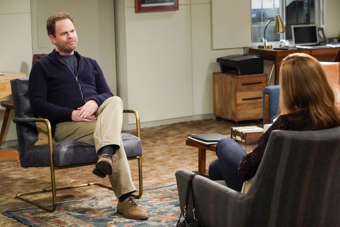 Trevor (Rainn Wilson, l.); Bonnie (Allison Janney, r.) - Bildquelle: Warner Bros. Entertainment, Inc.
