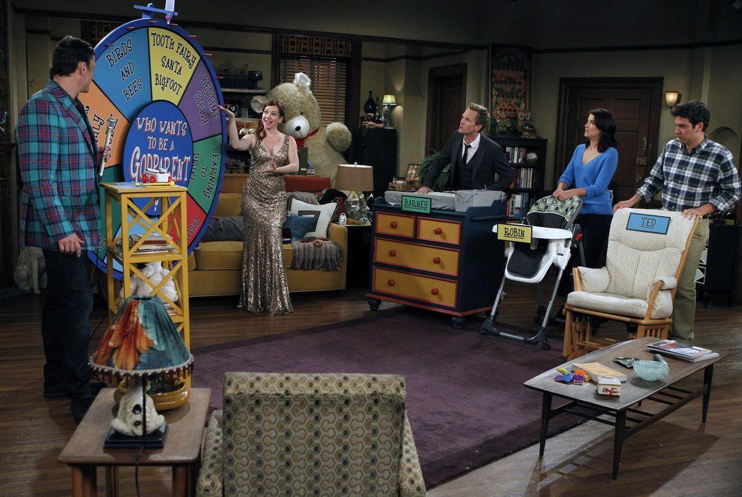 Lily (Alyson Hannigan, 2.v.l.) und Marshall (Jason Segel, l.) können sich nicht über die Paten für Marvin einigen und testen deshalb Ted (Josh Radno... - Bildquelle: 2012 Twentieth Century Fox Film Corporation. All rights reserved.