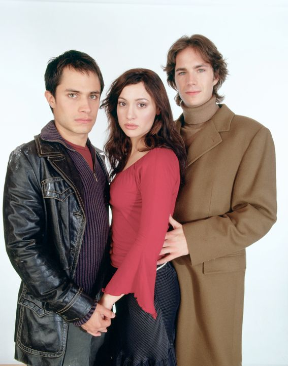 Zwischen (v.l.n.r.) Kit (Gael García Bernal), Carmen (Natalia Verbeke) und Barnaby (James D'Arcy) entspinnt sich eine Dreiecksgeschichte, die in und...