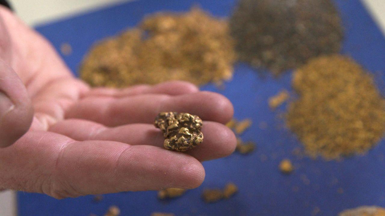 Paul Loescher hat von seinem Großvater eine alte Goldmine in Kanada geerbt.  700.000 Euro Eigenkapital hatte der Deutsche schon vor einem Jahr inve... - Bildquelle: ProSieben